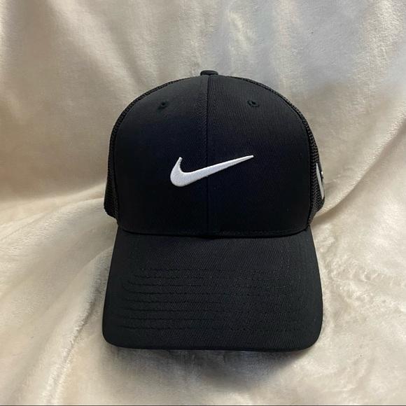 Nike Flexfit Black Fitted Golf Hat LG/XL